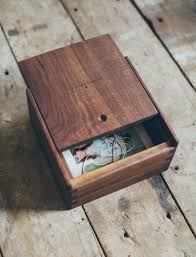 photography packaging wooden evan box by hh boogie