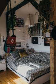 View Vintage Urban Bedroom Decor Idea Stunning Cool To Vintage Urban Bedroom  Architecture
