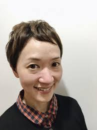 女性らしいショートカットくせ毛を活かして楽チンスタイリング