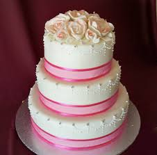beautiful white and red wedding cakes.  And Snow White And Rose Red Wedding Cakes In Beautiful White And Red Wedding Cakes