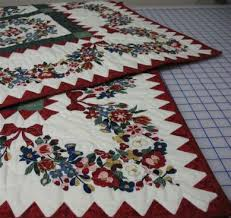 Quilt Borders add the Right Finishing Touch & Curves, Swags and Vines for Large Borders Adamdwight.com