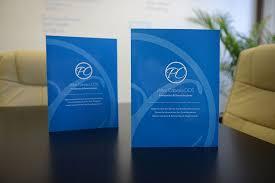 Dental Presentation Folder Design By Clue Dental Marketing