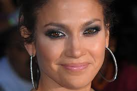 jennifer lopez smoky makeup is really beautiful on a lighter brown eye color turnbow says the trick is to use eye makeup in plimentary warm tones