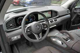 The 2020 mercedes gle interior features combine comfort, convenience, and technology into one sensational package. 2020 Mercedes Benz Gle Review Autoguide Com