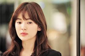 if you have seen one super hit k drama called the descendent of the son you would surely know the female lead of the drama song hyekyo can be considered
