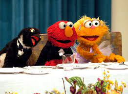 In a skit that capitalizes on the marketing of a certain doll, zoe and elmo play a game of zoe says with the viewer, and. Elmo On Twitter Today Elmo And Zoe Imagined They Were Having A Fancy Dinner Party For Lunch Ha Ha Ha Elmo Loves To Play Dress Up