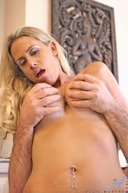 Sinful anilos blonde milf Kylie Worthy sucks on a cock like a.