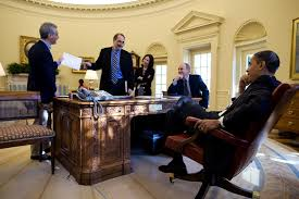 obamas oval office. File:Barack Obama, David Axelrod, Rahm Emmanuel In The Oval Office.jpg Obamas Office N