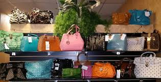 3650 s decatur blvd las vegas nv 89103 702 873 1406 high end or mainstream mainstream what you ll find inside aside from the tiger print carpet