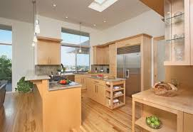 Maple cabinets a good choice for elegant and modern kitchen cabinets