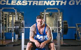 Man Doing Monster Bench Press Whatu0027s A Good Bench Is 225 Pounds 225 Bench Press Workout