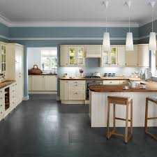 Shaker Kitchen New Traditional Style Kitchens Country Cream Island