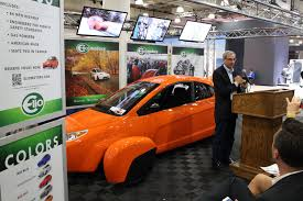 elio motors first ever auto show press event in nyc touts 84 mpg three wheel car