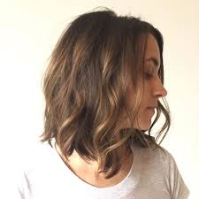 layered messy bob hairstyle for um thick hair