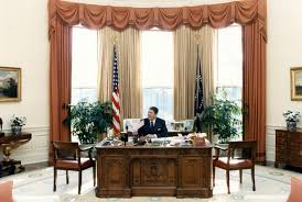 reagan oval office. President Ronald Reagan Sits In The Redecorated Oval Office On Feb. 11, 1987. (Ronald Library)
