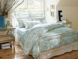 Beach Inspired Bedding Bedroom Beach Bedroom Ideas Bedding Carpeting Chandelier Double