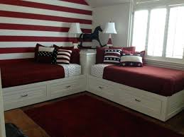 how to arrange a small bedroom with two twin beds 2 corner beds custom wood furniture
