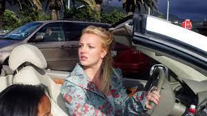 Britney Spears darf wieder selbst Auto fahren - mit Handy am Steuer  gesichtet