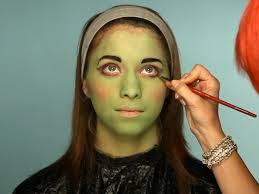 adding eyeliner to frankenstein makeup