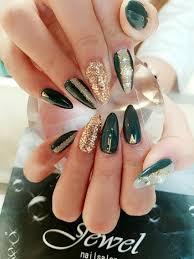 モスグリーンネイルjewel nail所属jewelnailの