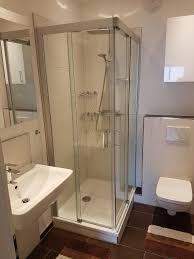 Kleines Bad Optimal Nutzen Glasdusche Und Fliesen Wirken Wunder