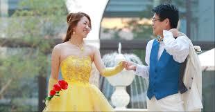 美女と野獣風カラードレスも結婚式を盛り上げる華やかドレス4選 Otokucon