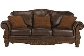 26 phenomenal traditional leather sofas