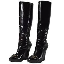 gucci patent leather high wedge boots for