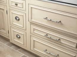 Diy Cabinet Knobs Kitchen Pick The Right Kitchen Cabinet Handles Choosing Kitchen