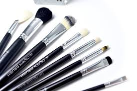 crown brush. crown brush, brush brushes, makeup foundation makeup, highlighter