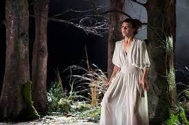 The 'medea' actress talks marriage, playing the female hamlet and her craving for comedy. Review Helen Mccrory Stars In Medea National Theatre Huffpost Uk