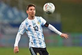 شاهد.. ميسي يسجل هدفين في فوز الأرجنتين برباعية على بوليفيا : صحافة الجديد  رياضة