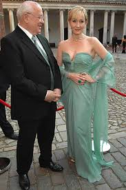 jk rowling i m putting on weight thanks to my eat more diet jk rowling i m putting on weight thanks to my eat more diet