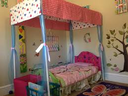 Homemade Bed Canopy Diy Canopy Bedlove The Idea Plus The Fabric She Used For The