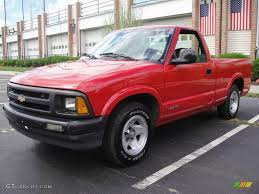 1996 Chevrolet S-10 Specs and Photos | StrongAuto