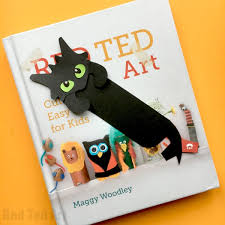 Select from 35429 printable crafts of cartoons, nature, animals printable dragon stickers. Hug A Book Toothless Bookmark Diy Red Ted Art Make Crafting With Kids Easy Fun