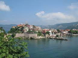 Datei:Amasra, Turkey, Castle, view from the island.jpg – Wikipedia