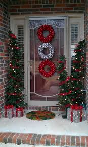 ... Interesting Front Porch Christmas Decorations : Interactive Front Porch Christmas  Decorating Design Ideas With Brick Exterior ...