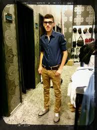 dark blue shirt khaki pants what color shoes