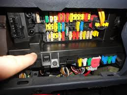 peugeot engine fuse box peugeot trailer wiring diagram for peugeot 407 fuse box diagram layout