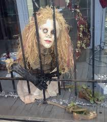 window dressing nerve alice struck me more as a celebrity than a performer more an objet d art than a puppet alluring of course but slightly more aloof than the others