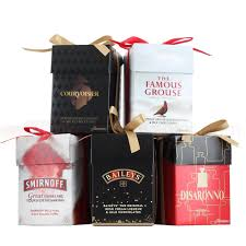 present pack 5x 5cl miniatures with chocolates gift pack