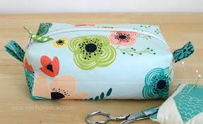 Want an easy DIY Sewing Project. Learn how to sew simple DIY Zippered Box  Pouch