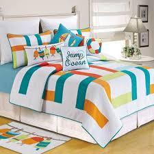 Best 25+ Tropical bedding ideas on Pinterest   Tropical bed ... & Best 25+ Tropical bedding ideas on Pinterest   Tropical bed pillows,  Tropical bed frames and Tropical bedroom decor Adamdwight.com