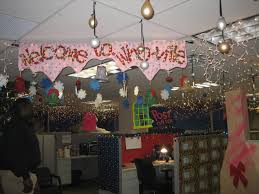office cubicle christmas decorations. Fine Decorations Interior Creative Ways To Decorater Office Cubicle For Christmas Decorating  Cube Ideas Desk Your And Decorations