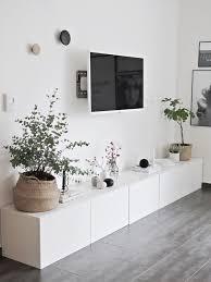 Ikea Besta Sideboard Viel Stauraum Flachbildschirm   Blumen