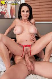 Mature pussy young pussy