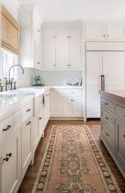 white kitchen reigns