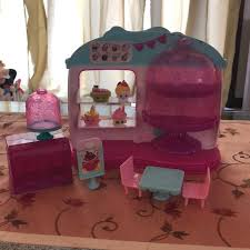 Shopkins Other Cupcake Queen Cafe With 4 Poshmark