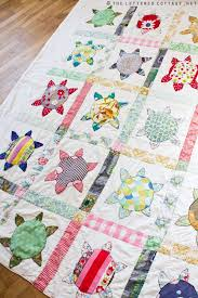 Best 25+ Turtle quilt ideas on Pinterest | Ocean quilt, Machine ... & Sea Turtle or Flower? Love this quilt. Adamdwight.com